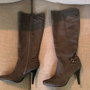 Brand New Grey tall Grey boots